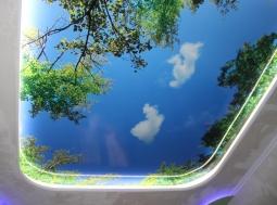 Натяжной потолок Франция многоуровневый с фотопечатью